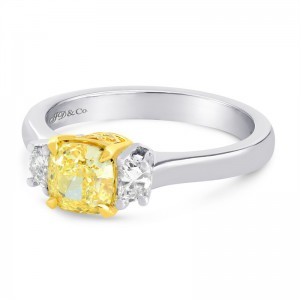 1,02ct CUSHION.L. VVS2^Fan.Yellow